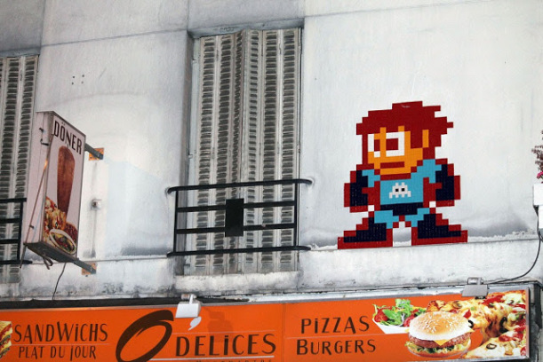 street art news invader cancun invasion ciudades pixel art 8